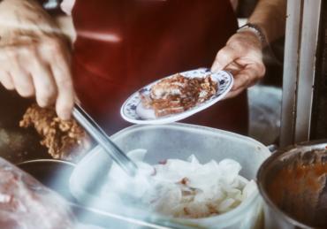 ご飯はおかず・米飯是配菜 葉家肉粥|大稻埕慈聖宮